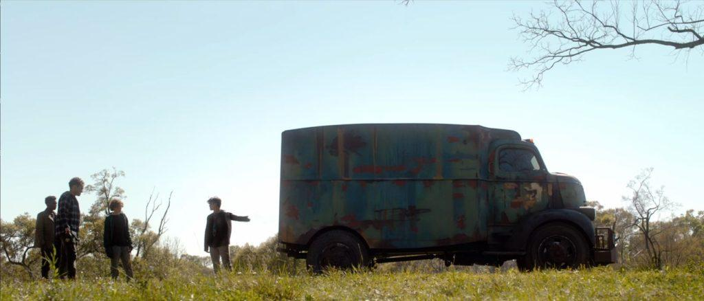 Кадры из фильма Джиперс криперс 4