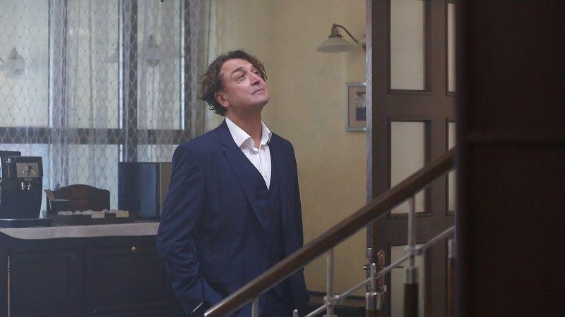 """Кадр из сериала """"Разбитое зеркало"""""""